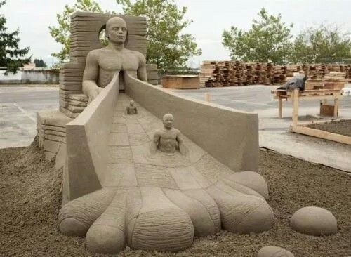 Pin By Brigitte Denys On Sand Sculptures Pinterest Sand Sculptures - This towering sand sculpture just broke the world record for the tallest ever sandcastle