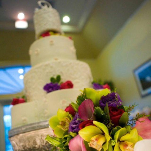 Wedding Cake By Edgewood Bakery, Jacksonville FL. Photo By: Tonya ...