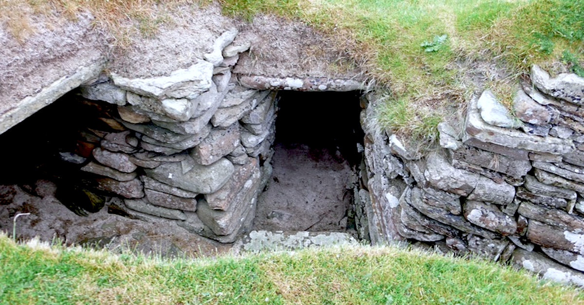 I 1850 fant bonden en hemmelig dør i jorden. Det han så på andre siden var ingen forberedt på.