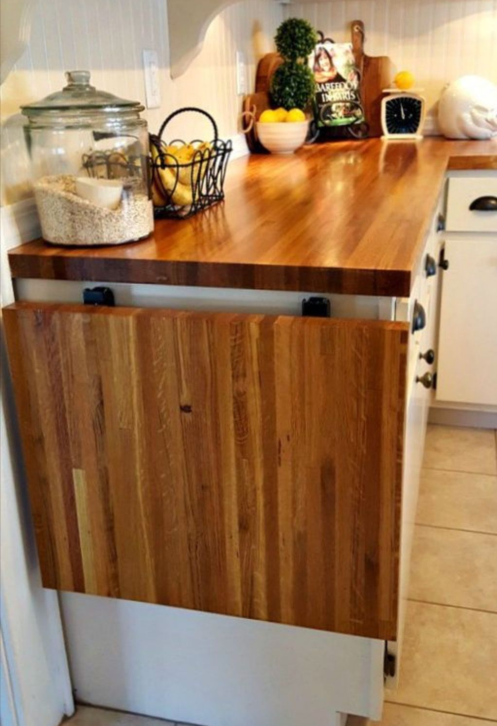 Flip up table at end of counter | Home & Decoration | Pinterest ...