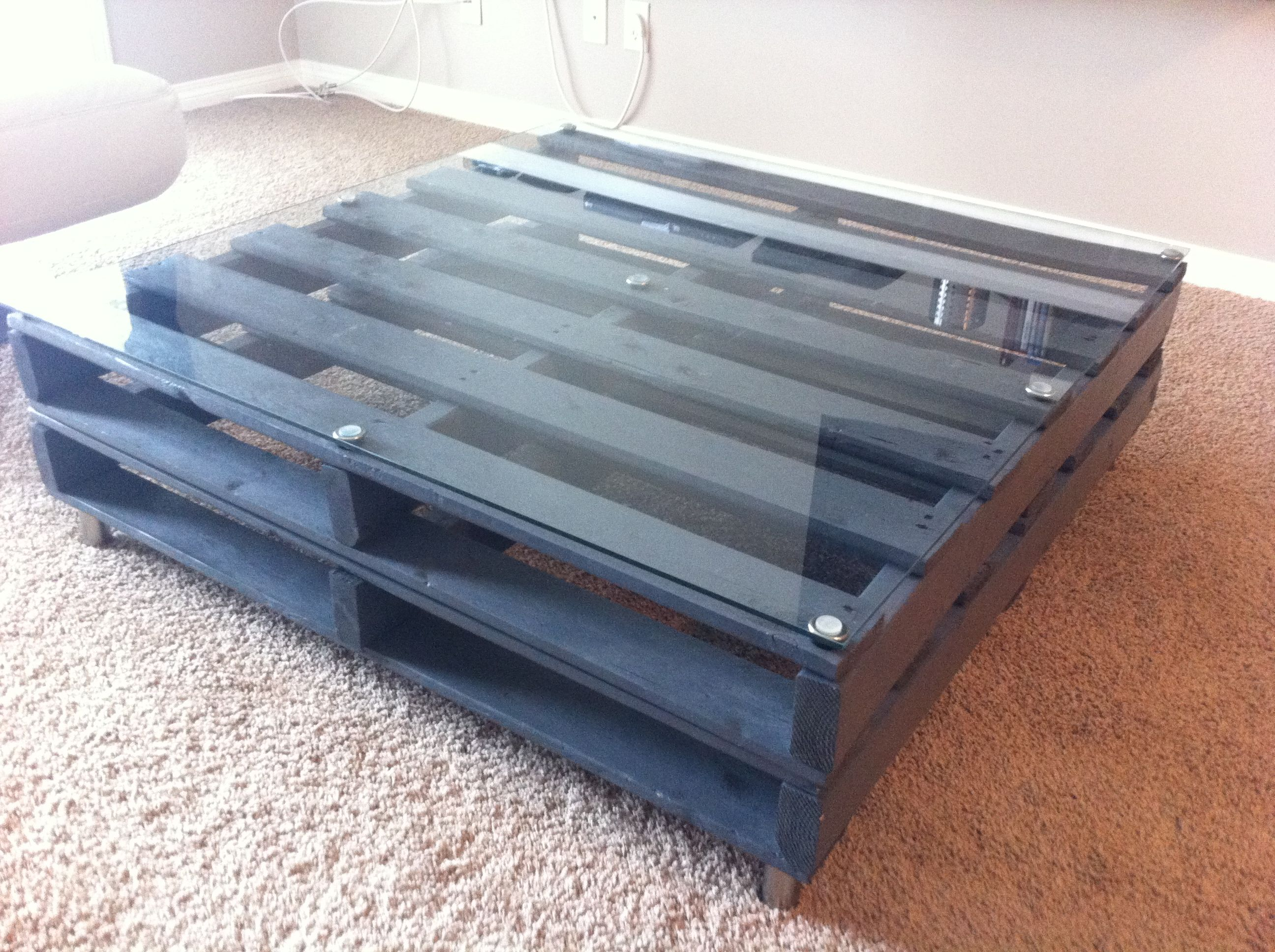 Wood pallet coffee table found 2 free wood pallets off of kijiji