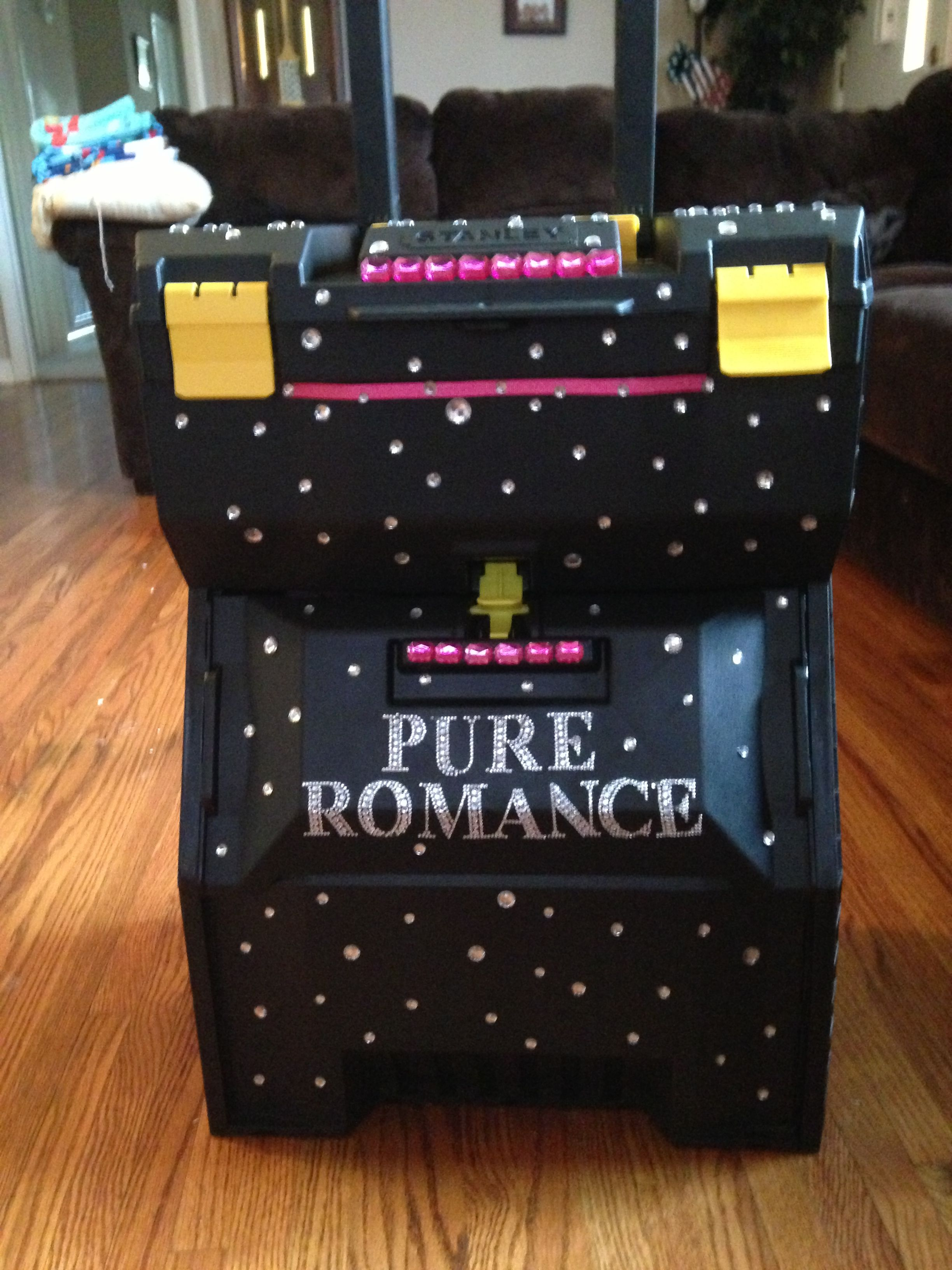My Pure Romance Demo box Www.cassandradillon.pureromance.com