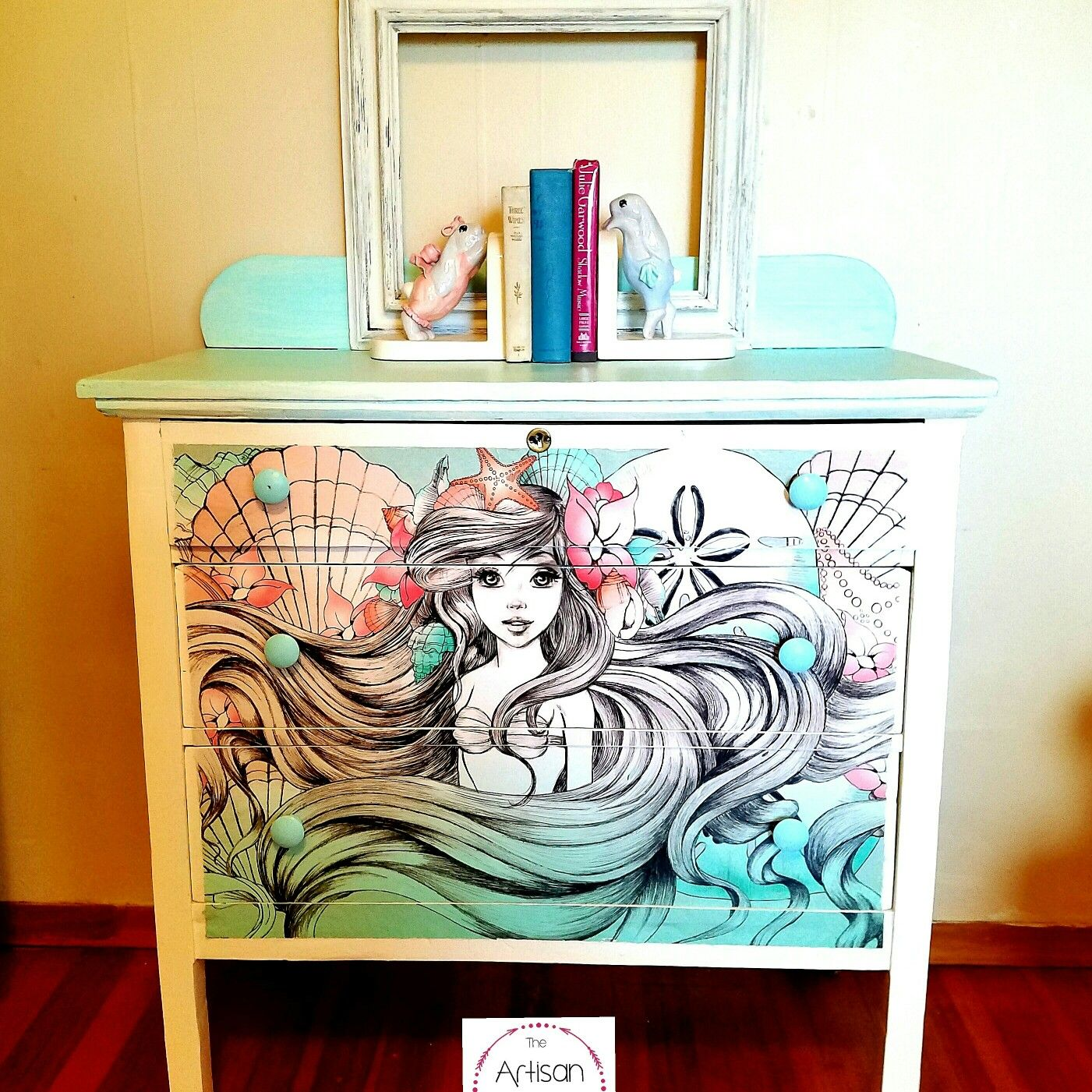 Pin de disney dream chasers en ariel 39 s home pinterest for Muebles disney