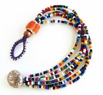 would be nice for the silver and pearl beads I have! Erin Siegel Jewelry: Vintage Seed Bead Bracelets #jewelryvintage