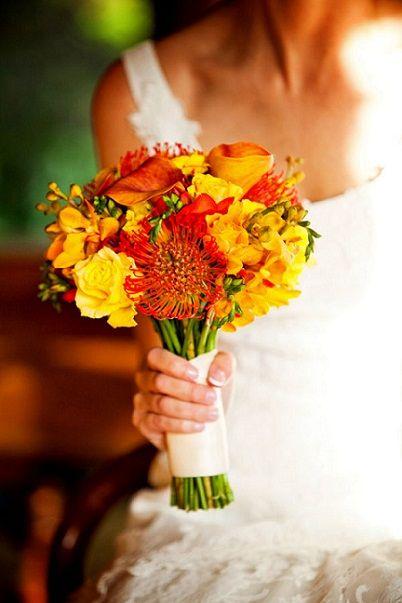 7 Beautiful Fall Wedding Flower Ideas