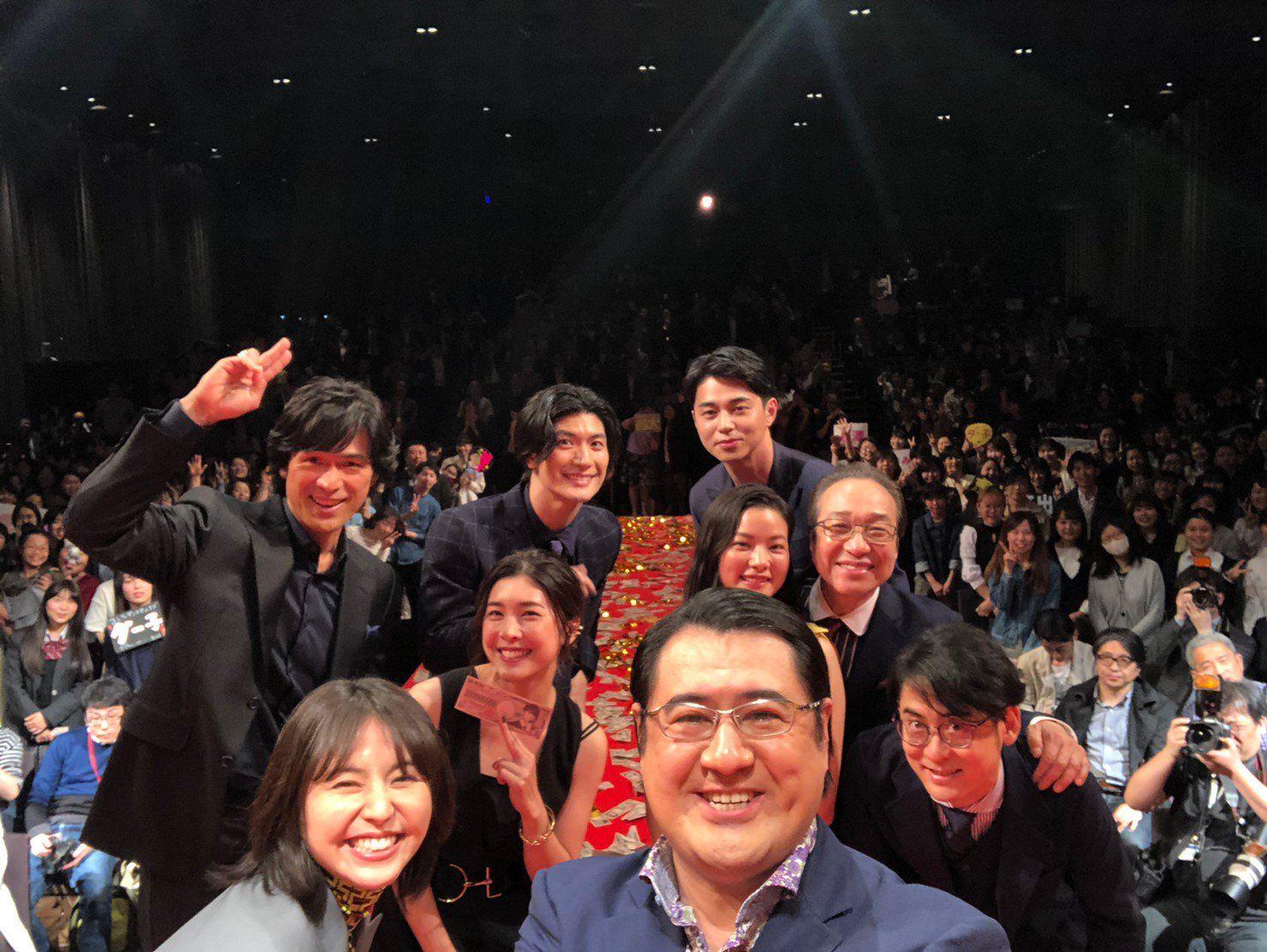 公式 コンフィデンスマンjp 本当に映画化 2019年5月17日 金 公開 On 竹内 結子 コンフィデンスマン 髭男
