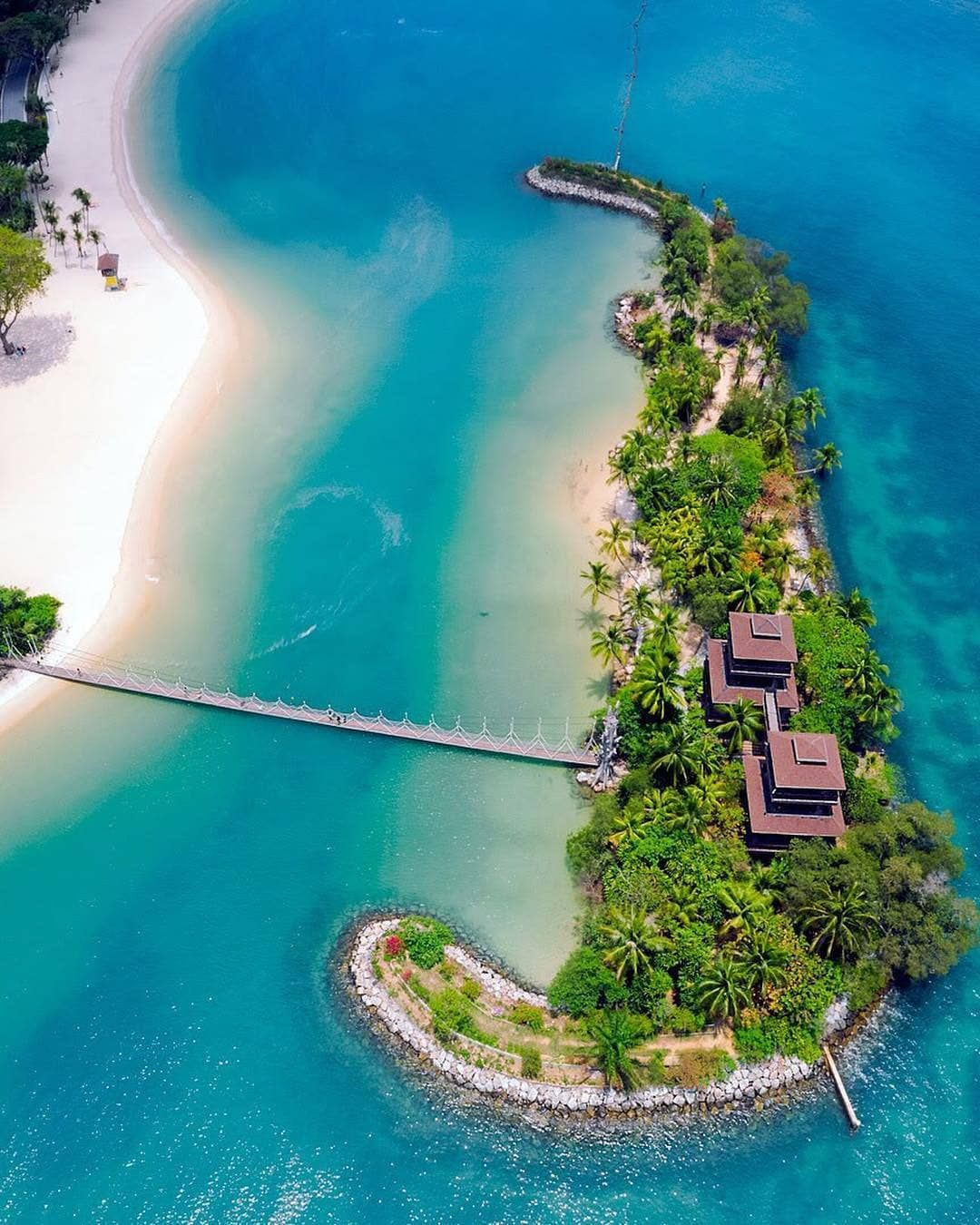 Things To Do In Singapore On Instagram A Bird S Eye View Of This Beautiful Sentosa Island Surrounded By Azure Beach Birds Eye View Singapore Singapore Travel