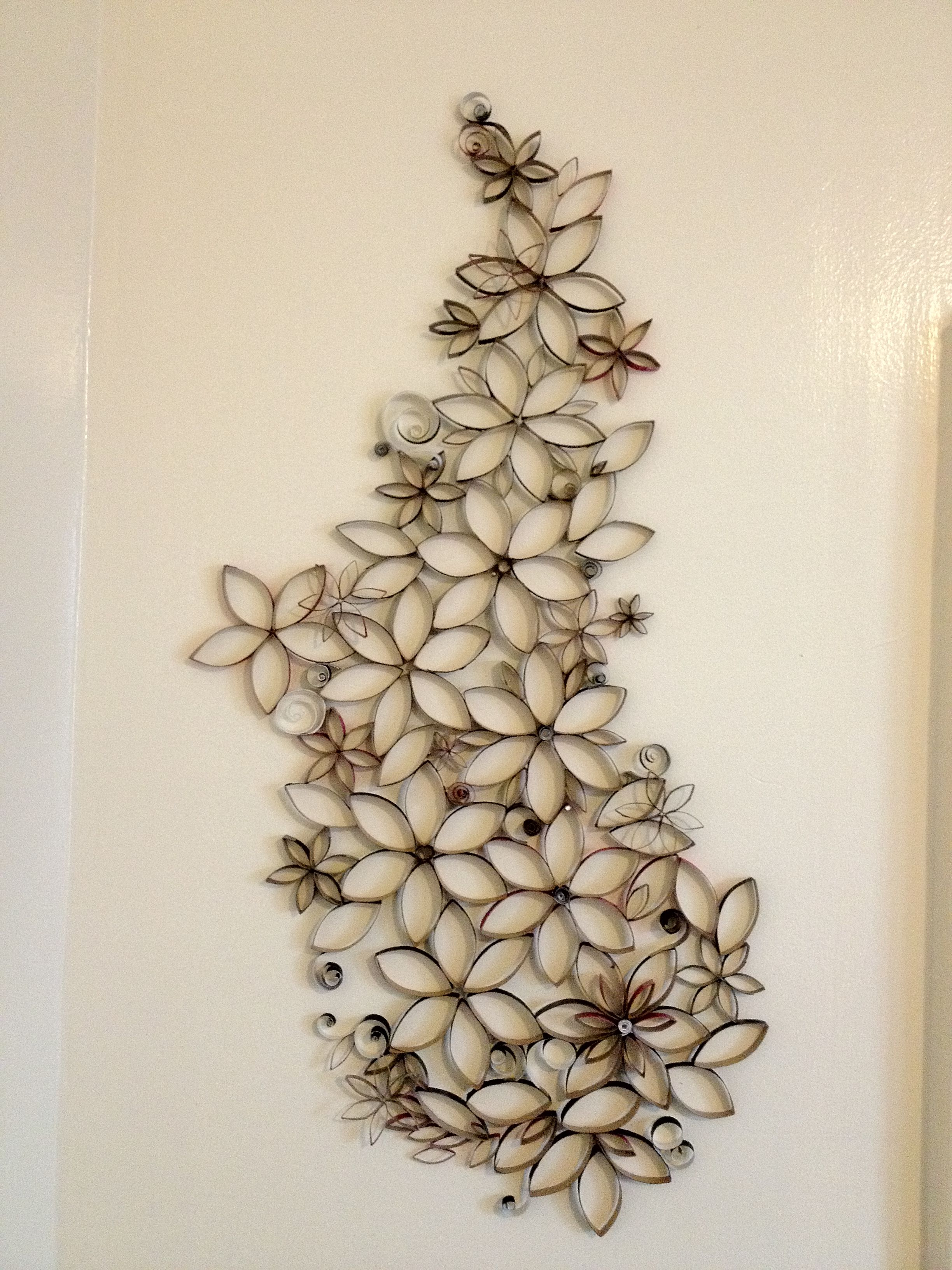 Great Wall Art Made From Upcycled Toilet Paper Rolls  Dip In Plaster Of Paris?