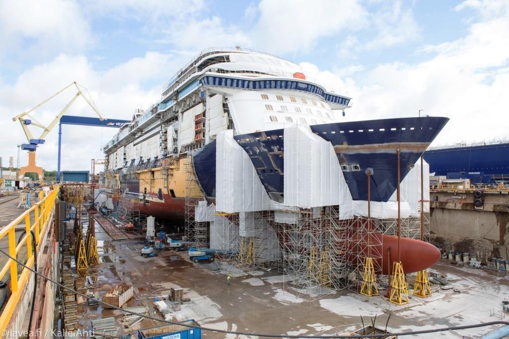 Taufreise Und Jungfernfahrt Der Neuen Mein Schiff 1 Beginnt