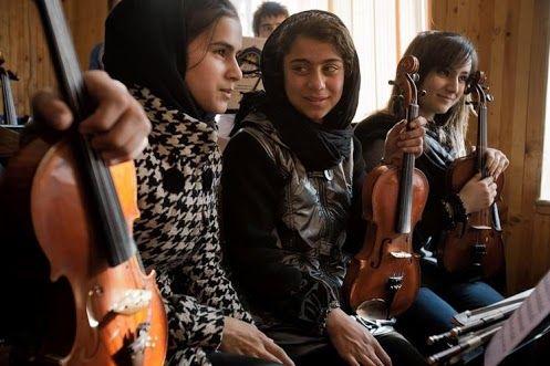 Afgan girls playing music