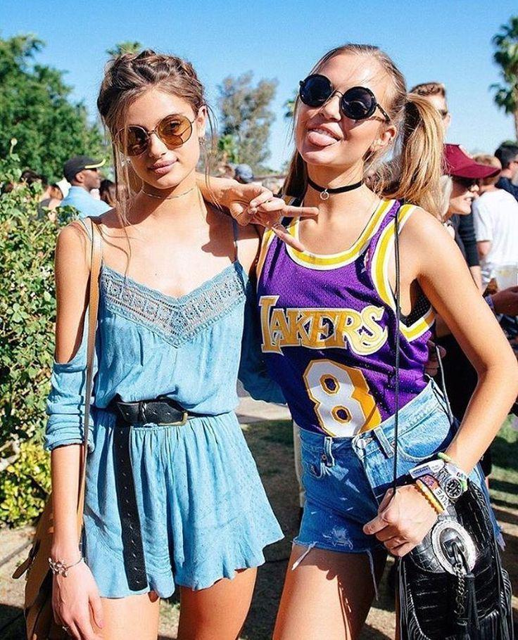 a4aa7644e2a Boho hippie vibe outfit ideas. Best Coachella Street Style Outfits -  LookVine