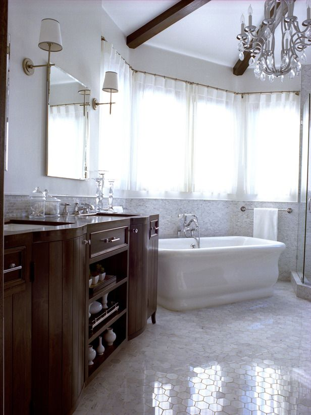 Traditional Bathrooms from Alicia Friedmann on HGTV