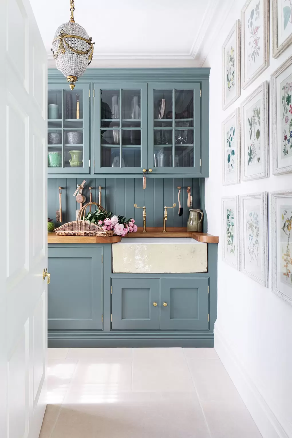 Farrow And Ball Paint Colours In Real Homes Oak Kitchen Remodel Kitchen Remodel Small Kitchen Remodel Layout