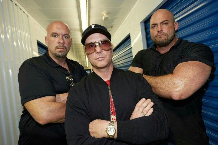 Still Shot From Storage Wars Canada Season 2 Premiere With Curly Roy And Tiny