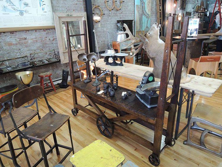 La boutique style labo à montréal le paradis pour ceux qui adorent la décoration industrielle vintage