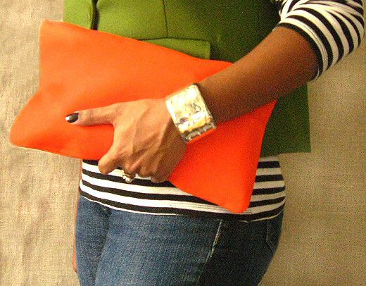 make your own envelope clutch.  Pattern and tutorial