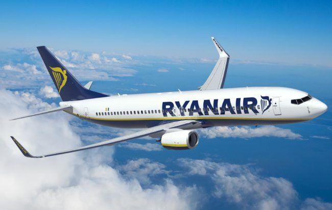 Ryanair lancia nuove tratte dall'aeroporto di Napoli: voli al costo di 9,99 euro a cura di Redazione - http://www.vivicasagiove.it/notizie/ryanair-lancia-nuove-tratte-dallaeroporto-di-napoli-voli-al-costo-di-999-euro/
