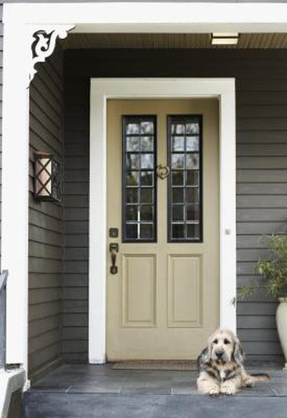 80 Alluring Front Door Designs To Refine Your Home: How To Decorate A Front Porch That Has No Railing In 2020