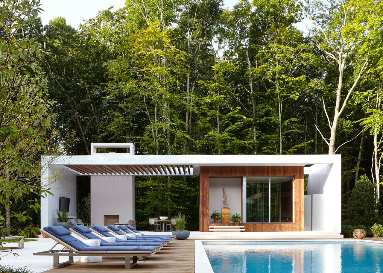A Modern East Hampton Home Gets A Dramatic Renovation Design Milk Modern Pool House Pool Houses Hamptons House