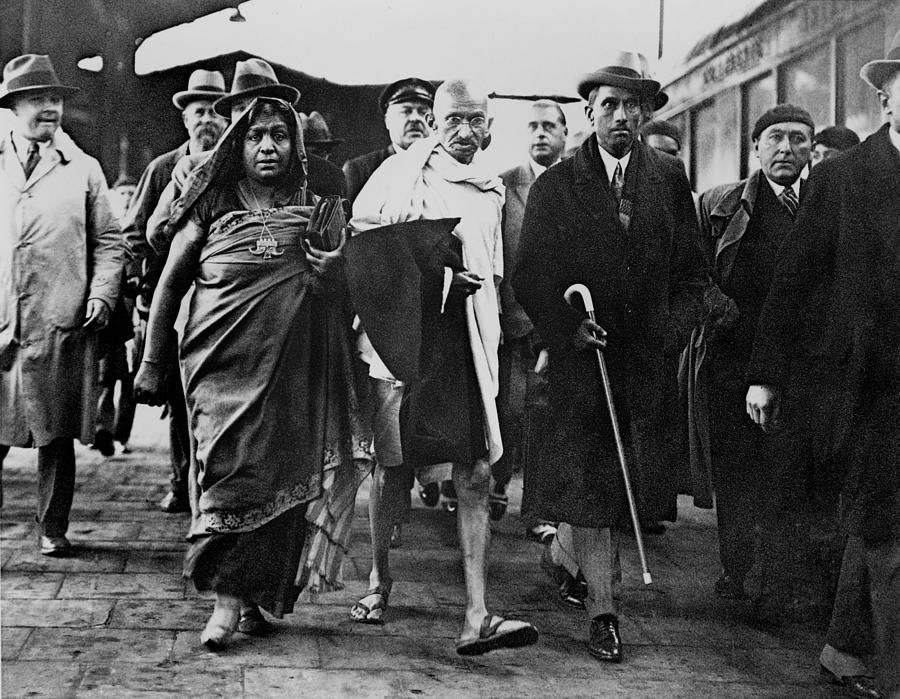 Mahatma Gandhi Arriving At Folkstone By Everett With Images