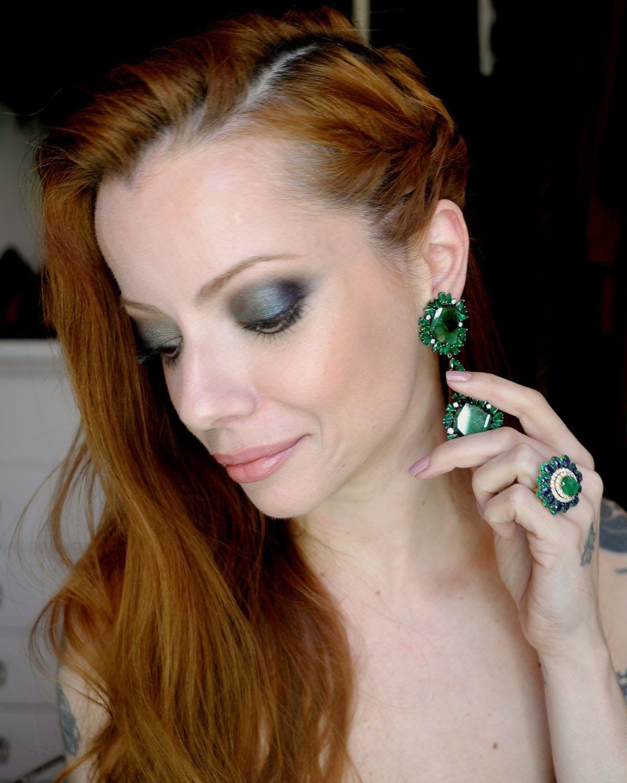 Julia Petit passo a passo azul e verde Maquiagem