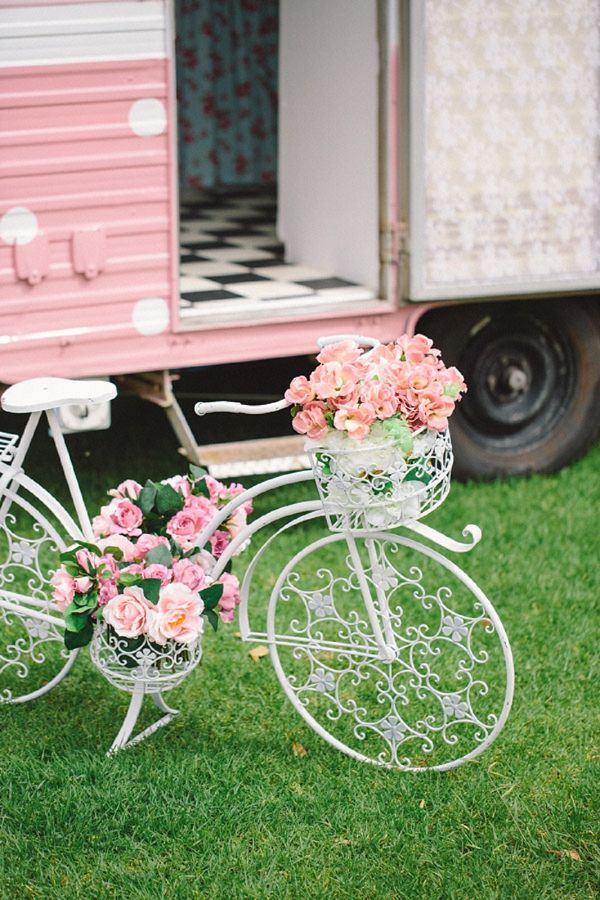 Beautiful UK/Australian Wedding Ideas | Whimsical Wonderland Weddings