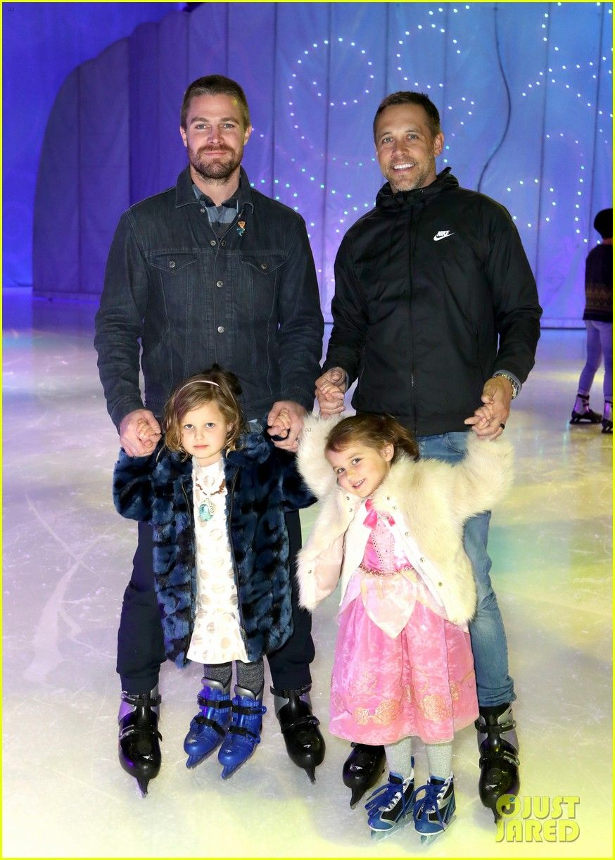 Stephen Amell Cries After Bringing Daughter To Disney On Ice Stephen Amell Cries After Bringing Daughter Maverick To Disn Stephen Amell Disney On Ice Stephen