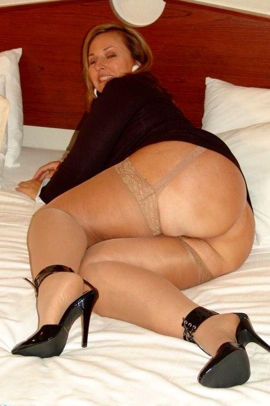 Older women nylon pics-8559