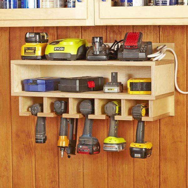 cordless tool station tools pinterest rangement garage amenagement garage and garage. Black Bedroom Furniture Sets. Home Design Ideas