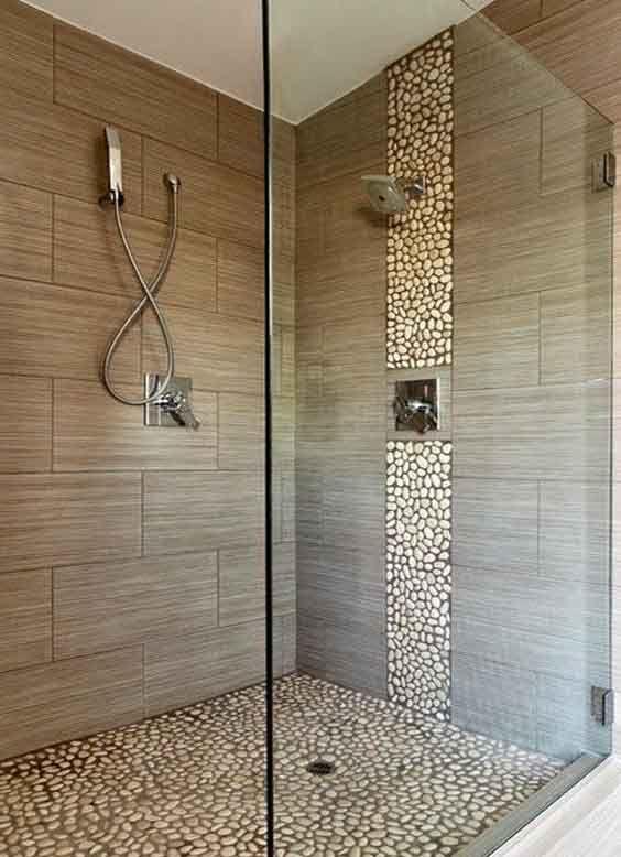 Piedras y azulejos cuarto de ba o en 2019 ba os con - Azulejos mosaicos para banos ...