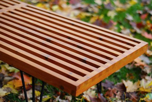 how to make a diy george nelson inspired outdoor slat bench let 39 s make pinterest table de. Black Bedroom Furniture Sets. Home Design Ideas