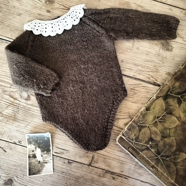 #linneadrakt #familiealbum #vintagephoto #peterpancollar #babyknits #knittingmom #knittingdesign #knittingpattern #knitting_inspiration