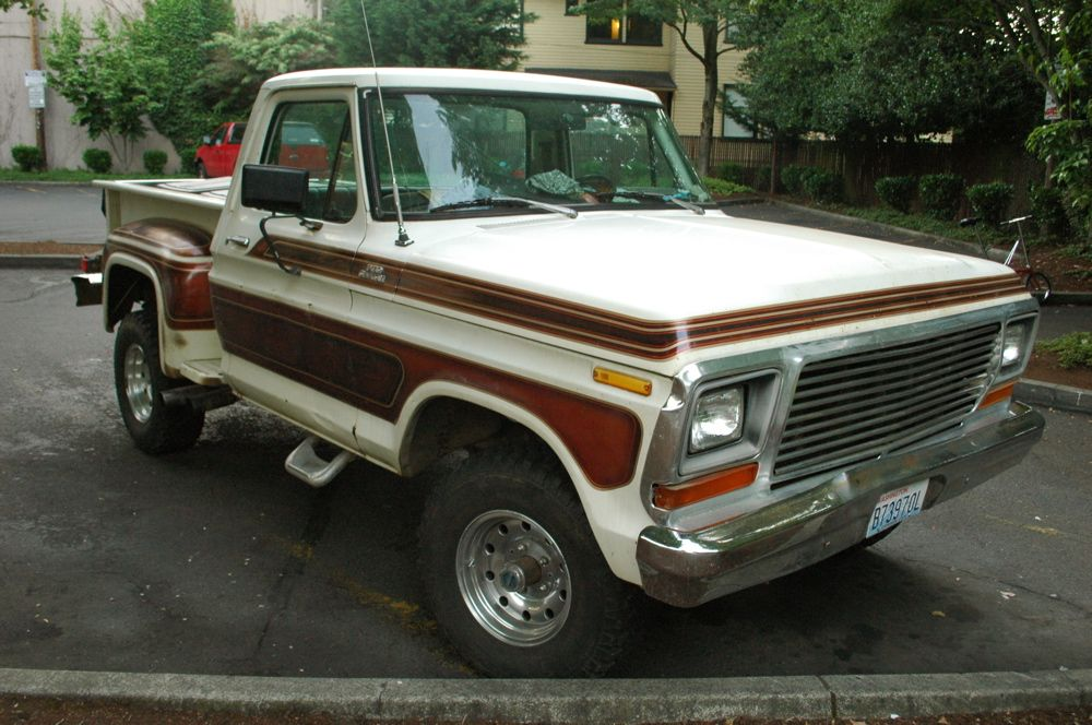 Old Parked Cars 1978 Ford F 150 Custom Stepside Ford F150 1979 Ford Truck Ford Classic Cars