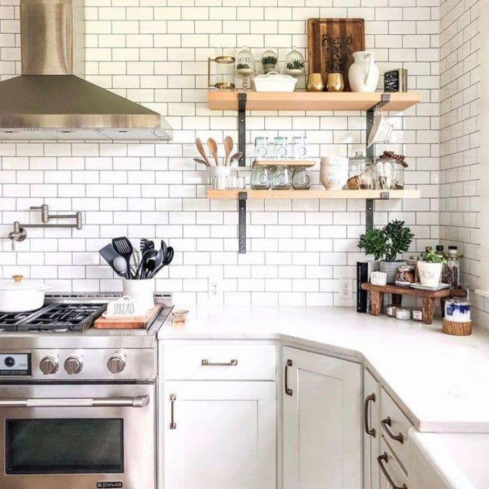 farmhouse backsplash life on summerhill in 2020 with images kitchen inspiration design on farmhouse kitchen backsplash id=73396