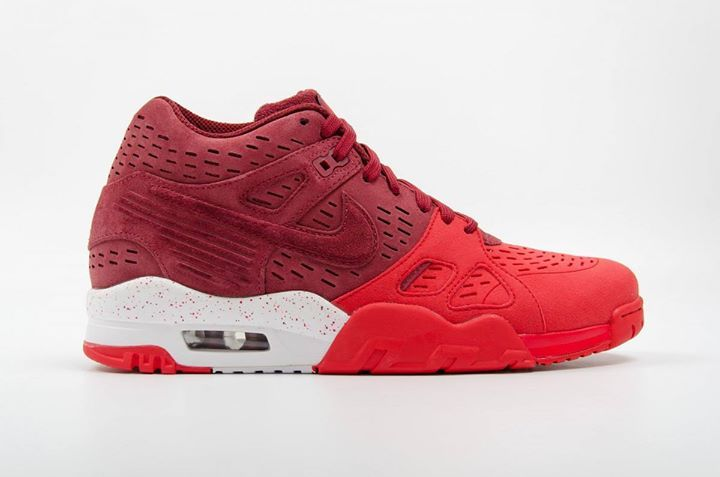 First look at the Nike Air Trainer 3 LE. Available now.  http://ift.tt/1kchk2v