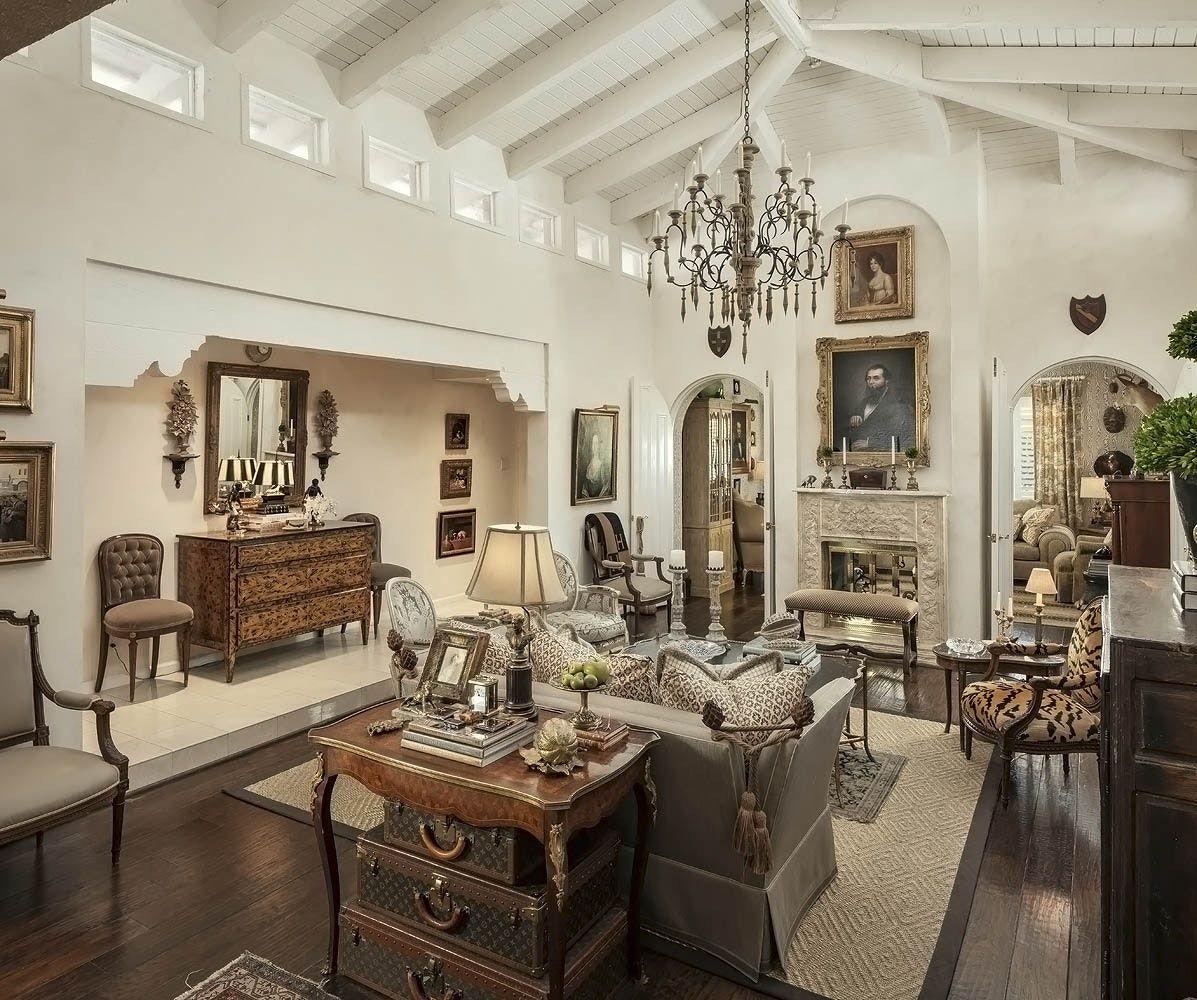 Mediterranean Home In Scottsdale Arizona By Christopher K Coffin Design Lookbook Dering Hall