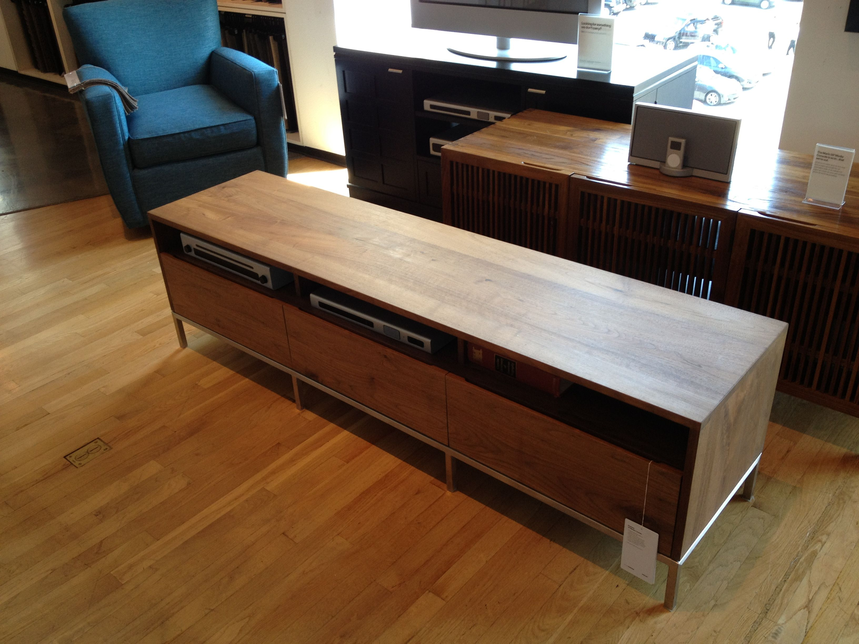 Tv Table For Our Next House Pinterest Tv Tables Tv Stand  # Table Tv Plasma En Bois Angle