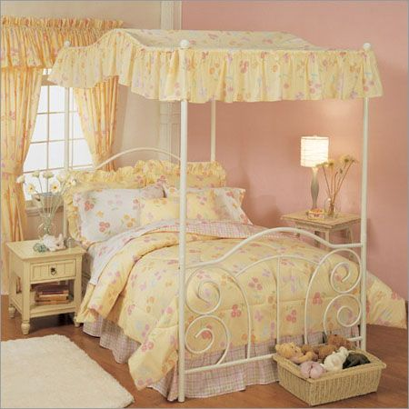 When I Was A Little Had Yellow Canopy Bed