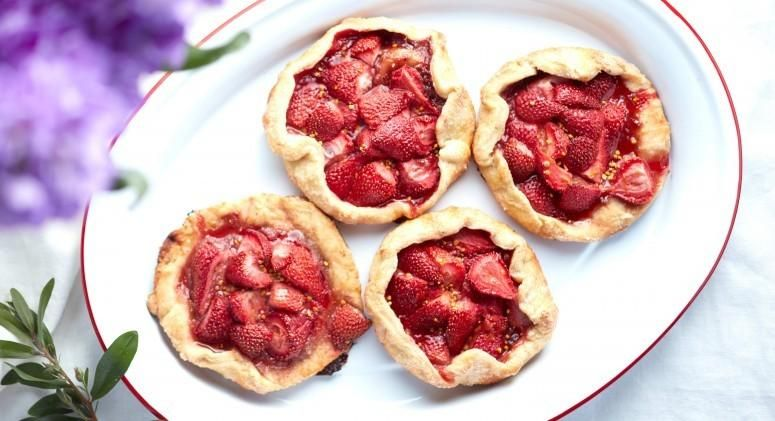 Mini Strawberry Galettes Recipe from @thrivemarket using our coconut sugar!