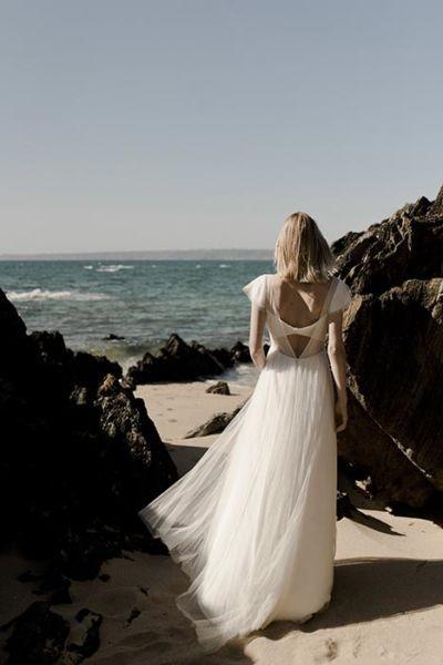 Robe de mariée créatrice – Collection Less Or More