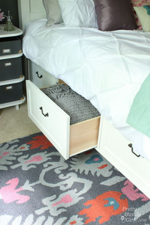 Modified King Size Farmhouse Bed with Storage Drawers   Pretty Handy ...