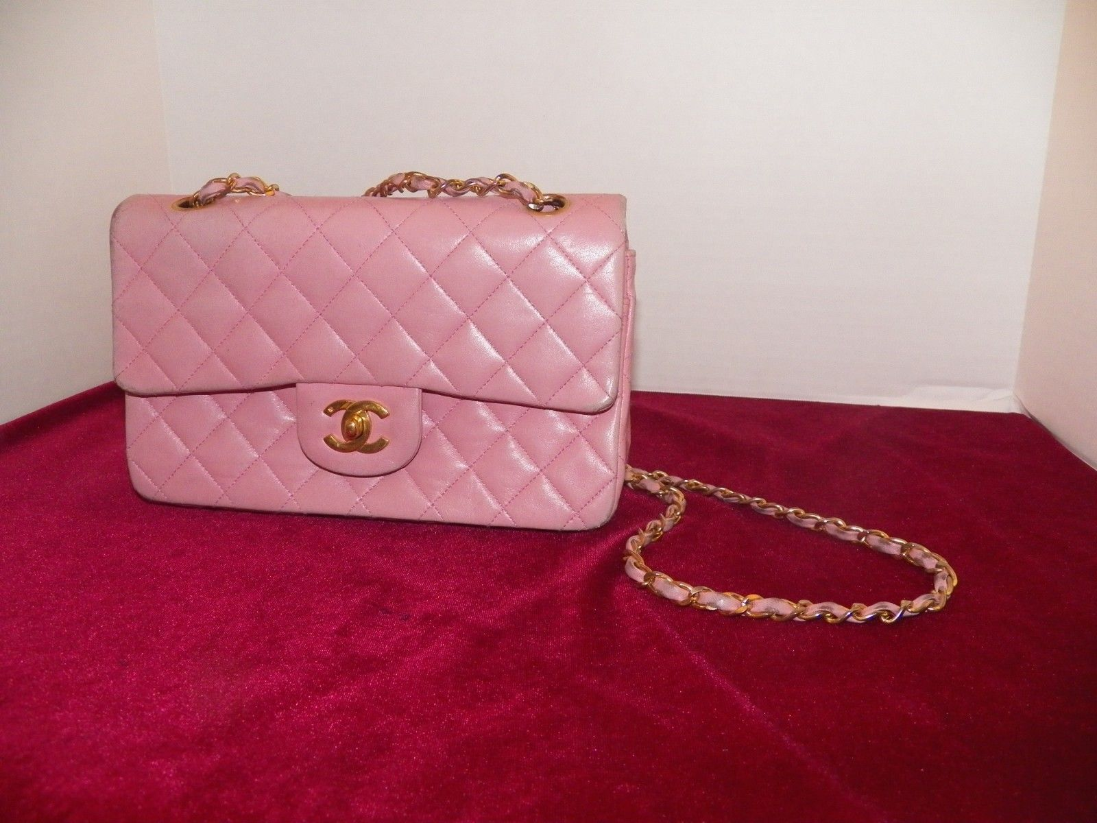 ae34ea8949da00 VINTAGE SMOOTH LAMB LEATHER CHANEL DOUBLE FLAP SHOULDER BAG IN PINK ...