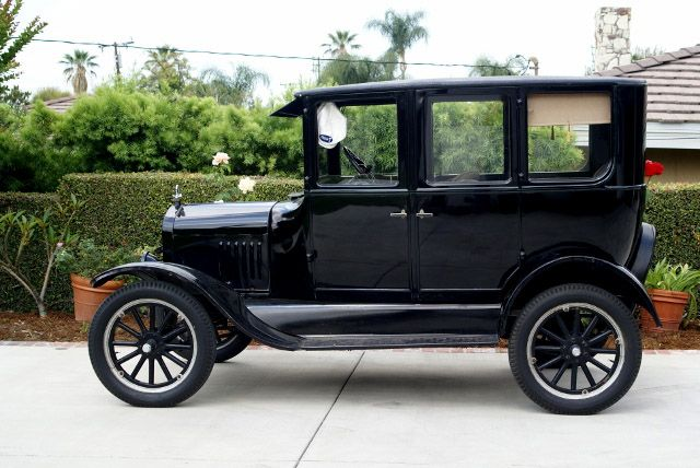 This A 1925 Ford Model T Fordor The Price Of The Vehicle Is 9 500 00 Obo Ford Models Model T Vintage Cars