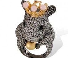 LYDIA COURTEILLE, collection La Ferme des Animaux - bague Souris en or, diamants, opale rose et perle d'or
