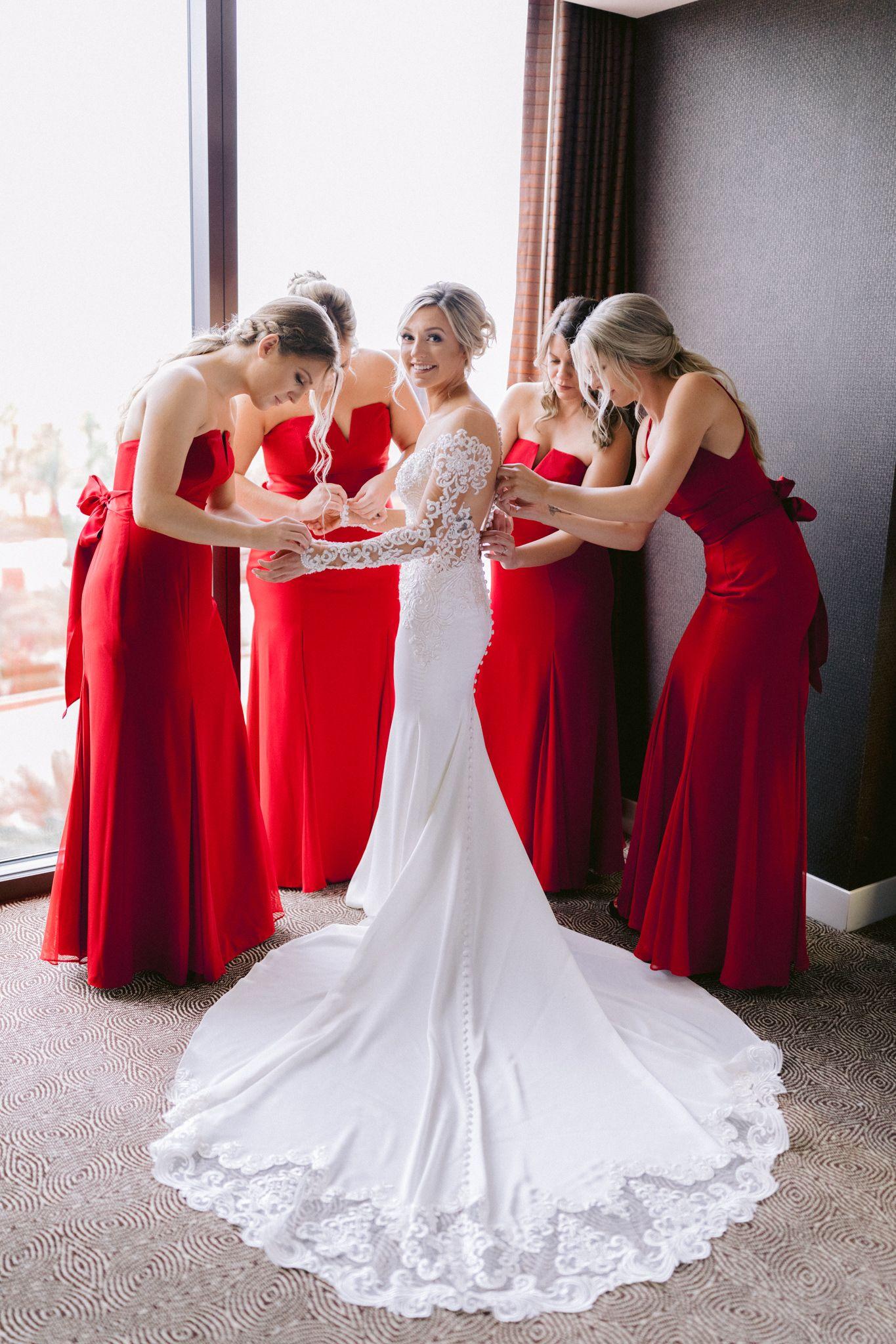 December Las Vegas Wedding Wedding Dresses Lace Red Wedding Colorful Bridal Bouquet [ 2048 x 1365 Pixel ]