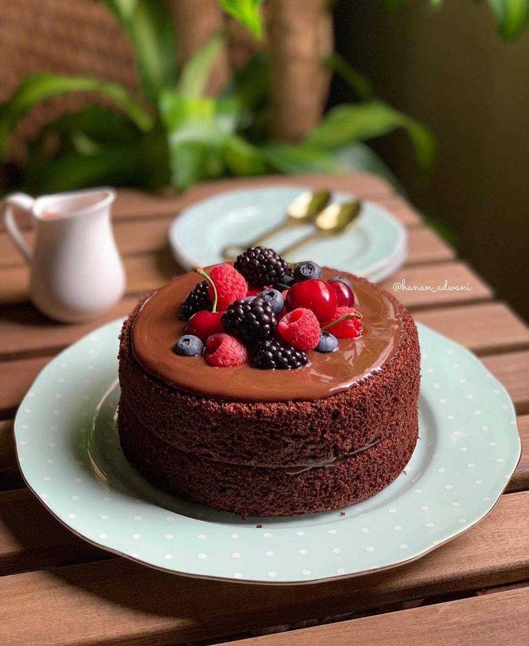 2 022 Likes 59 Comments اجمل الوصفات والذها Wasfat55 On Instagram كيكة الشكولاته بجناش الجالكسي سويت خليط كيك جاهز با Desserts Food Mini Cheesecake