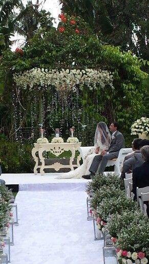 Garden Ceremony At The Gazebo Gazebo Table Decorations Garden