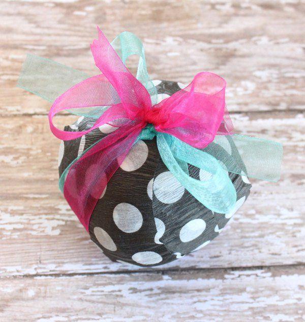 Surprise Gift Balls With Boy Or Girl Treats Inside Gender Reveal Gifts Creative Gender Reveals Gender Reveal Favors