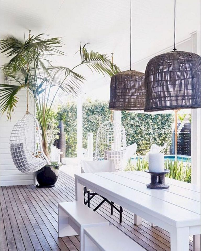 Elegant White Beach House Ideas 039