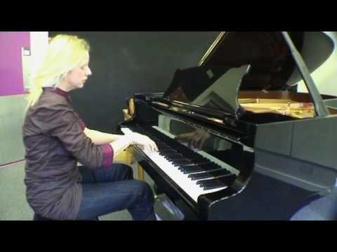Valentina Lisitsa plays 'Träumerei' from Schumann's 'Kinderszenen' (sound is low, but most delicate rendition I've heard)